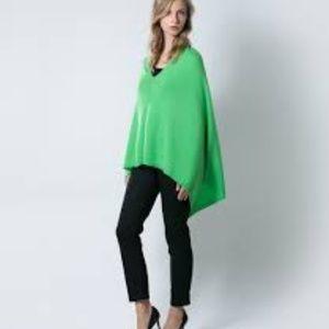 Anna Kristine 100% Pure Cashmere Green poncho wrap